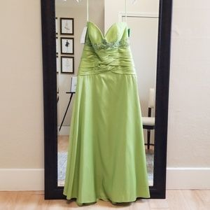 Size 14 lime strapless prom dress NWT